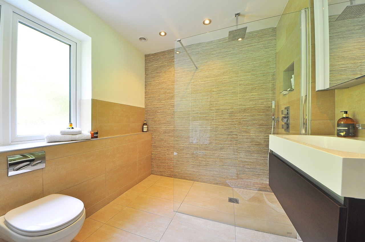 tempered-glass-shower-screen-Singapore